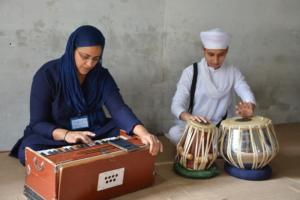 Student learm Kirtan in at Akal International youth camp (1)