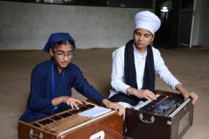 Student learm Kirtan in at Akal International youth camp (10)